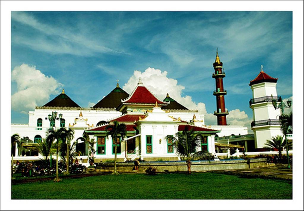 Masjid Agung Palembang Lemabang 2008 Berita Photo Dan Wallpaper